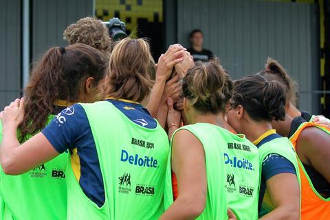 Seleção Feminina vai à França para última etapa da Série Mundial