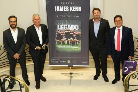James Kerr faz palestra para líderes de empresas em São Paulo