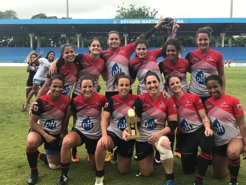 Niterói é campeão brasileiro feminino de rugby sevens