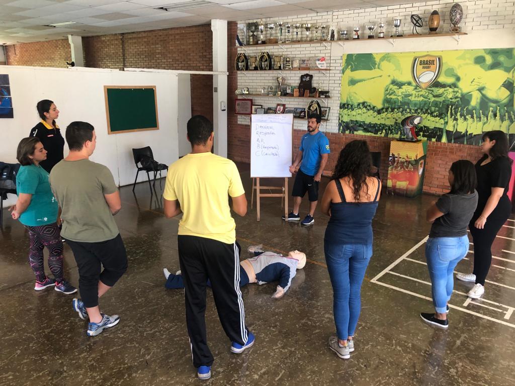CBRu promove curso de primeiros socorros no CT de São José dos Campos